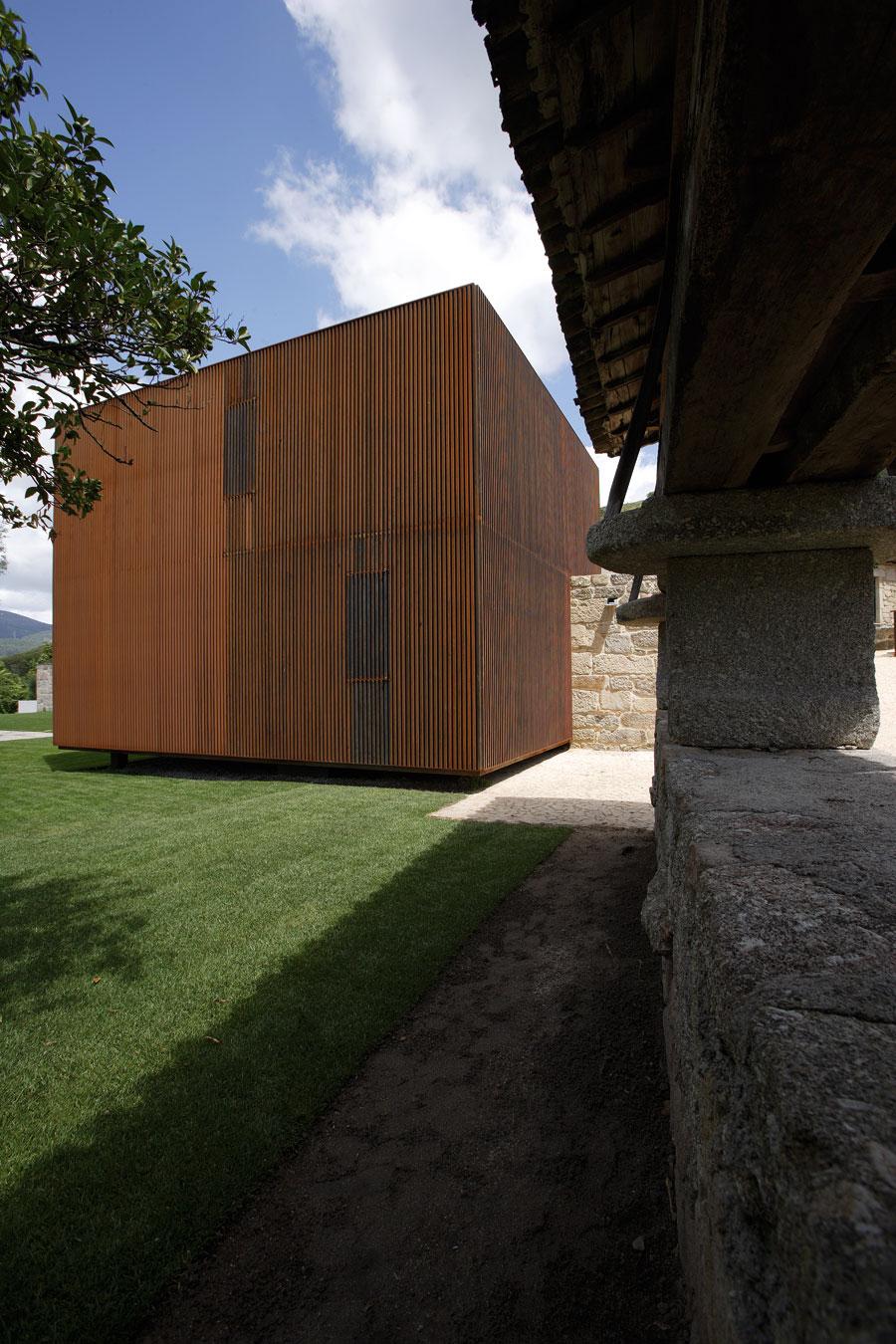 Casa em sequeiros topos atelier de arquitectura - Atelier arquitectura ...